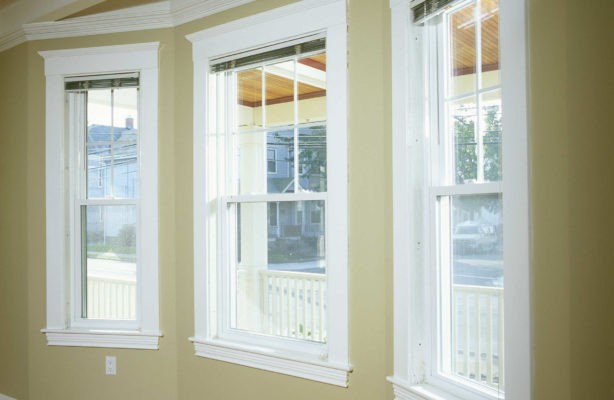 Single-hung-replacement-window